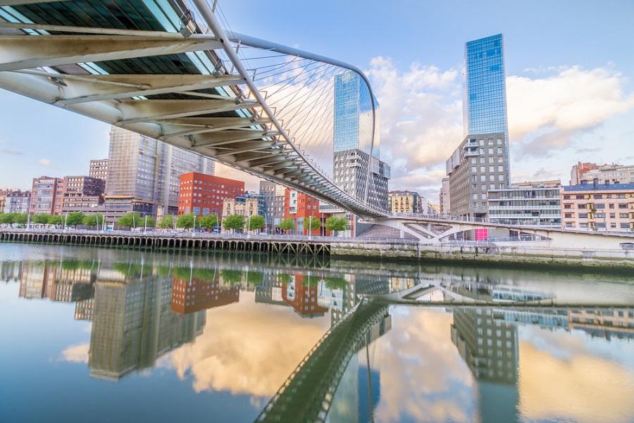 Bilbao városnézés spanyolországi kalandutazáson