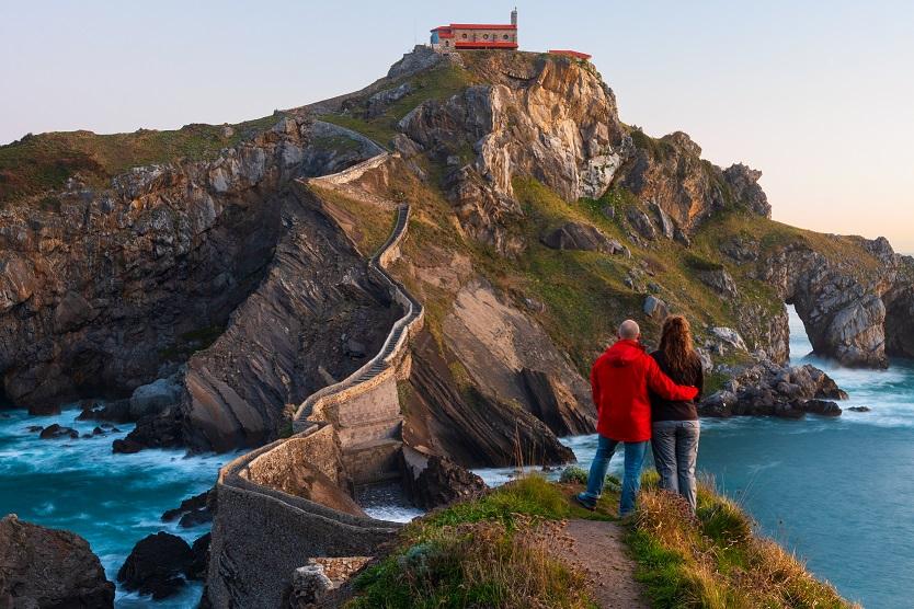 Gaztelugatxe túrázás észak spanyolországi kalandtúrán