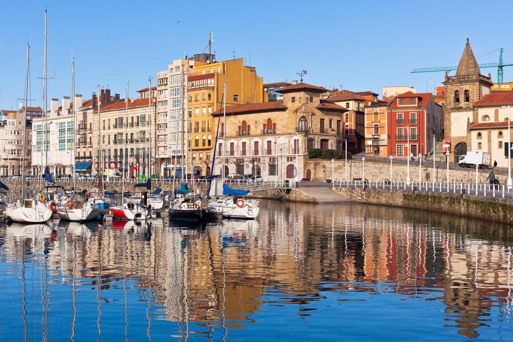 Gijon városnézés Észak-spanyolországi kalandtúrán