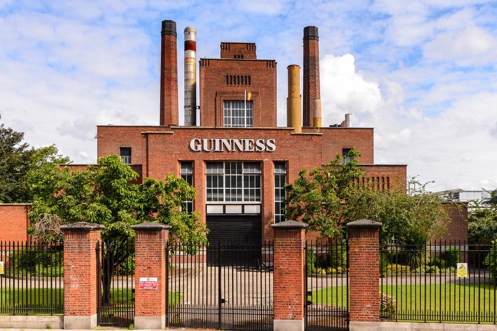 Dublin városnézés Írország kalandtúra pubok Guiness Trinity College