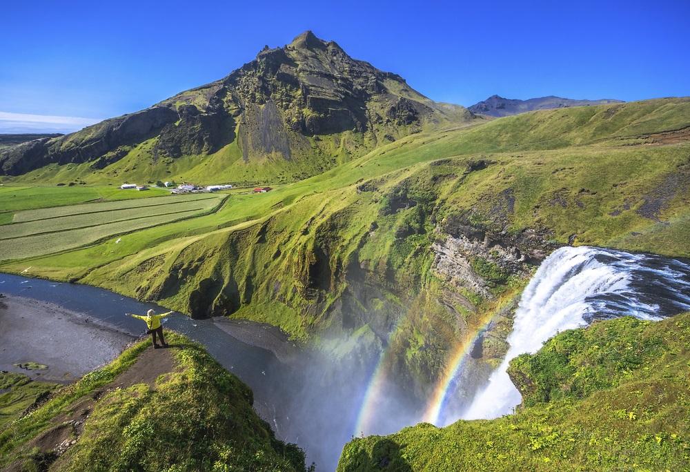 Skogafoss vízesés Izland csoportos körutazás kalandtúra