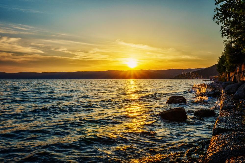 Túrázás a Bajkál tó partján Oroszországban